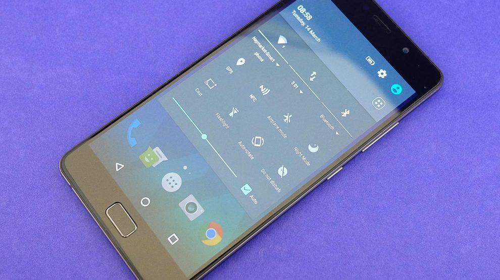 Lenovo P2: lo smartphone dall'autonomia super